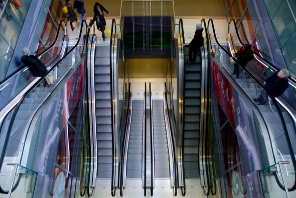 escalator-pixabay.jpg